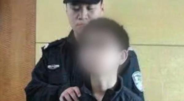 媒体:12岁弑母少年重返学校 让公众如何安心?