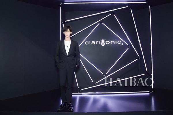 推出全新「mia smart智能皮肤管理仪」,携手首位亚太区品牌大使朱正廷