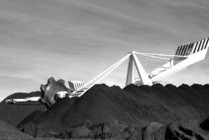 去年规模以上煤企利润总额近3000亿元中国神华日赚过亿元净利达450亿元