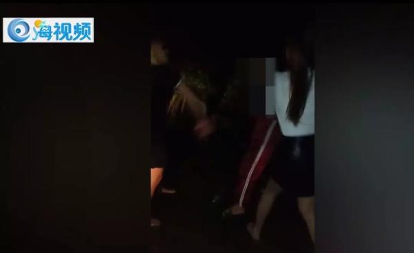 海南14岁辍学少女遭殴打 次日与3青年围殴打人者
