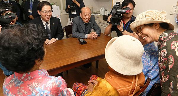 朝韩离散家属第二轮团聚如期举行 不受台风影响