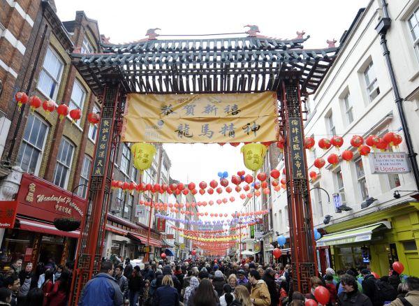 资料图:英国首都伦敦的唐人街人头攒动.新华社记者曾毅摄图片
