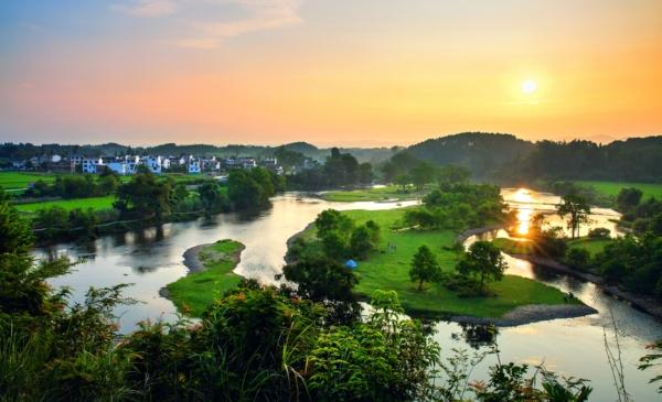 """省级自然保护区,森林公园,湿地公园周边生态优势,构成了""""美丽乡村"""