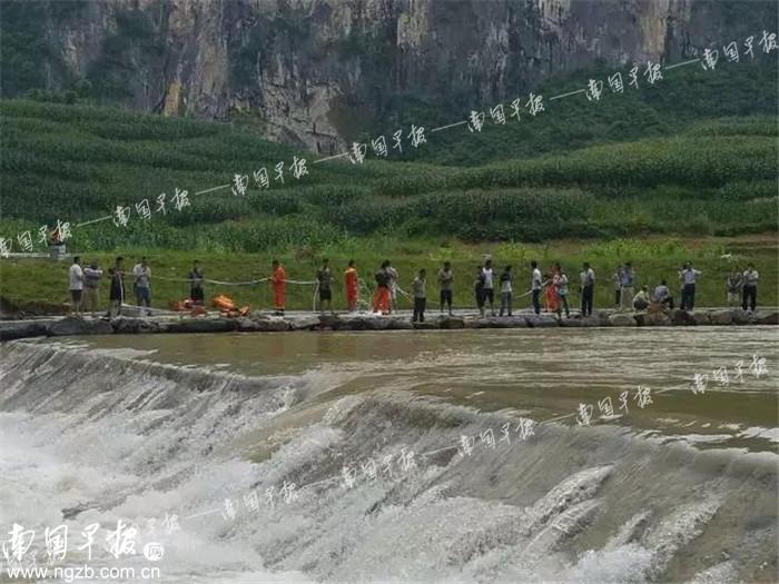 凤山一初中生拉起落水的同学 自己却被河水冲走