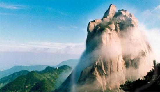 天柱山全称安徽省安庆市天柱山风景区.