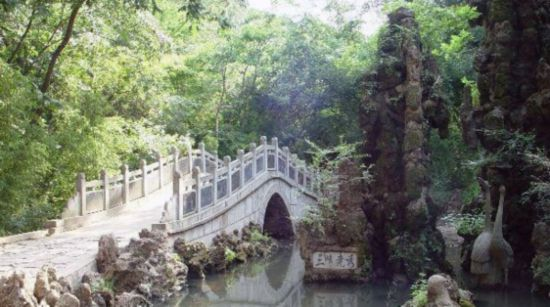 凤阳县狼巷迷谷风景区