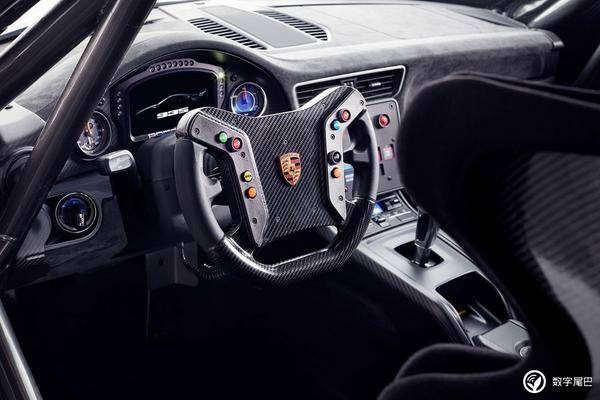 「白鲸」重现,保时捷全新 935 赛车全球首发