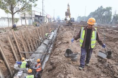 荆州区金江路(龙山路至学府路)改造工程进展顺利