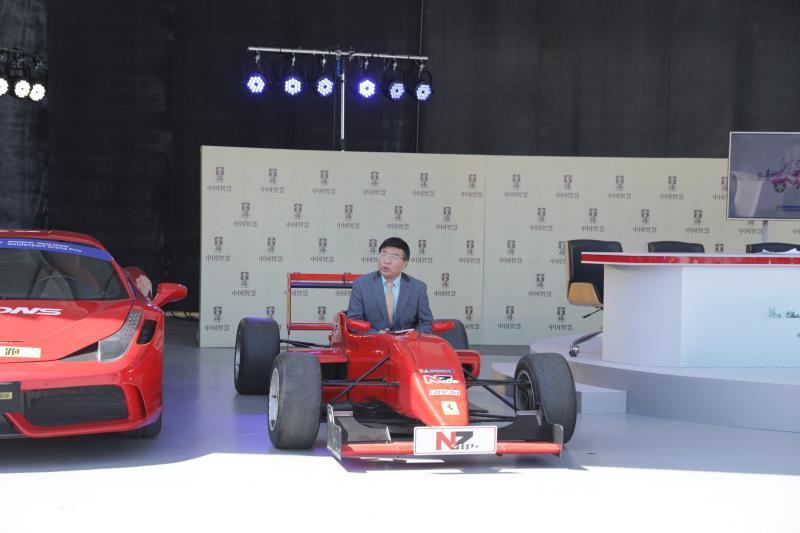 第十六届北京赛车节开幕 《赛车新视界》惊艳登场