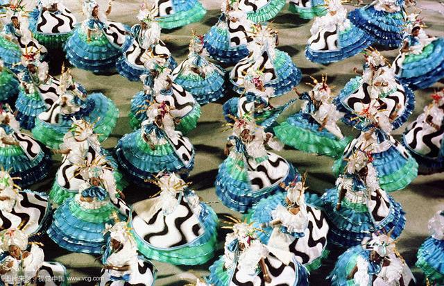 当桑巴爱上中国红 巴西狂欢节致敬中国年