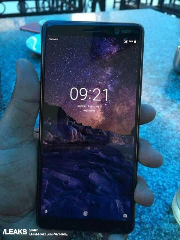 诺基亚7 plus真机亮屏曝光:18:9全面屏