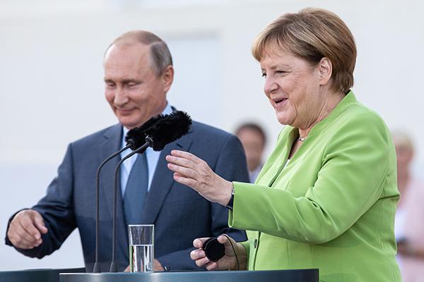 默克尔与普京进行3小时闭门会谈 说了这些议题