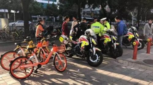 图片来自深圳交警权威发布