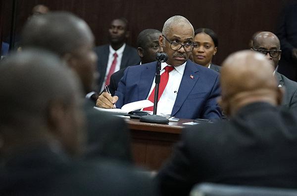 海地总理宣布辞职:降低燃料补贴致油价大涨引骚乱