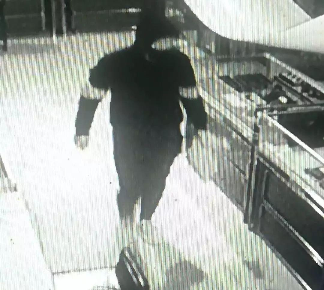 长春警方破获一起盗窃珠宝店案 被盗总值约310万