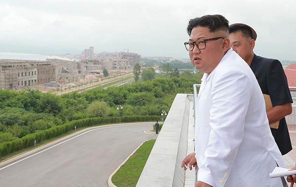 金正恩视察赞民众创奇迹 罕见批评制裁阻碍朝鲜