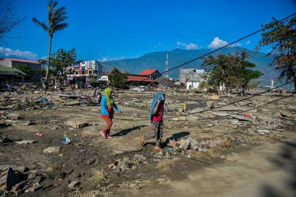 印尼强震后一镇30万居民失踪 另有1200名囚犯逃狱