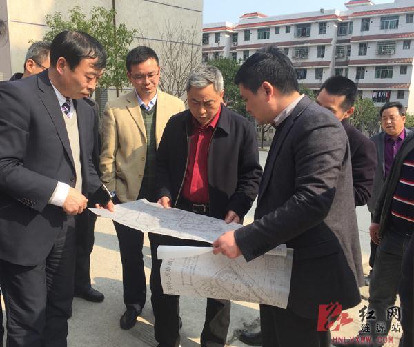 涟源市领导调研教育工作重点建设项目实施情况