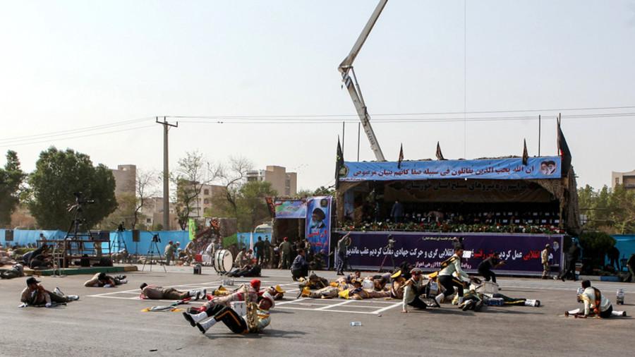 伊朗阅兵式遇袭致24死 伊方:枪手由外国政权雇佣