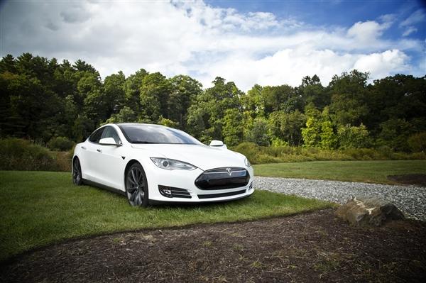特斯拉全系车型上调售价:Model X最低配涨价15万