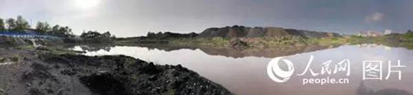 媒体暗访鸡西:洗煤废水排放河流 遮盖灰堆应付检查