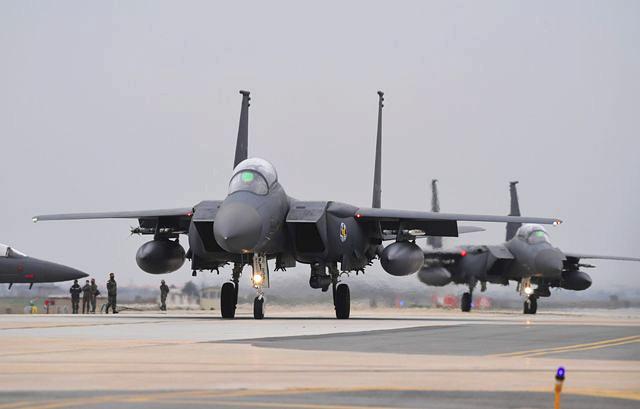 韩国空军F-15K战机。(新华/法新)