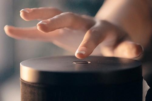 能让植物演奏音乐?这款神奇的音箱会变魔术