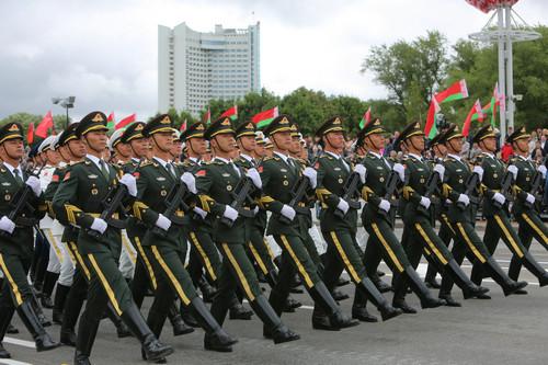 德媒质疑中俄军人参加白俄罗斯阅兵 白方告诫:多读中国哲学
