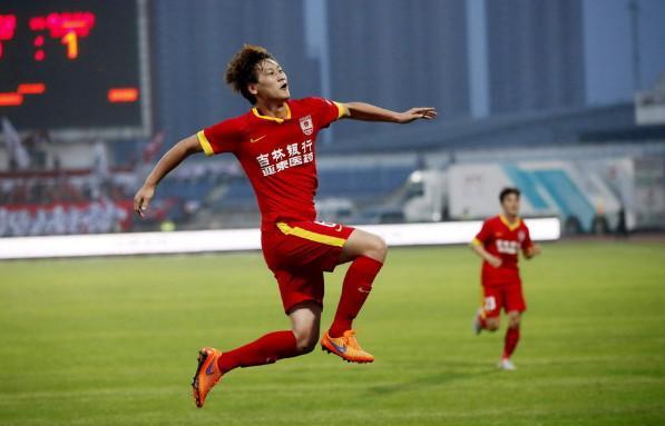 天津权健锁定中超夏窗第一签!广州恒大笑了!中国足协紧张了!