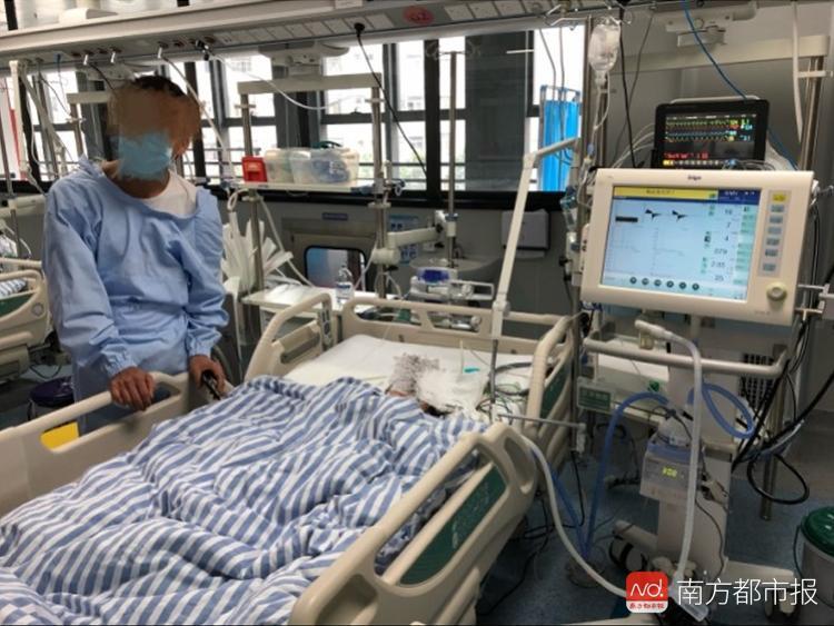深圳女童疑遭母亲男友虐待抢救8日 父亲称其已死亡