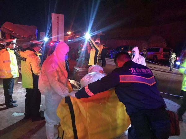 公安部特约专家:如何防范长下坡公路发生事故?