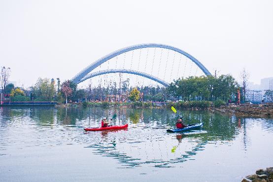 """紧扣天府绿道总体规划,围绕锦江绿道""""创意天府""""文化主题,将江滩公园图片"""
