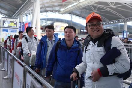 2018幸福列车顺利发车 满载在粤城市建设者回家过年