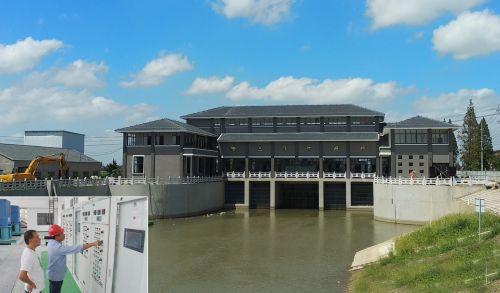 投资3900多万元开始的珥陵镇三陵河闸站已完工,日前已新建试闸放水.北京种子高中生图片