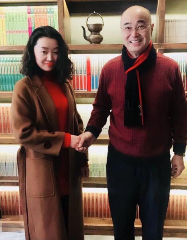 互联网创业女神齐淇与中国巴菲特陈九霖共进午餐