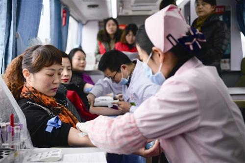 互助献血叫停 北京市制定应急预案应对血源缺口