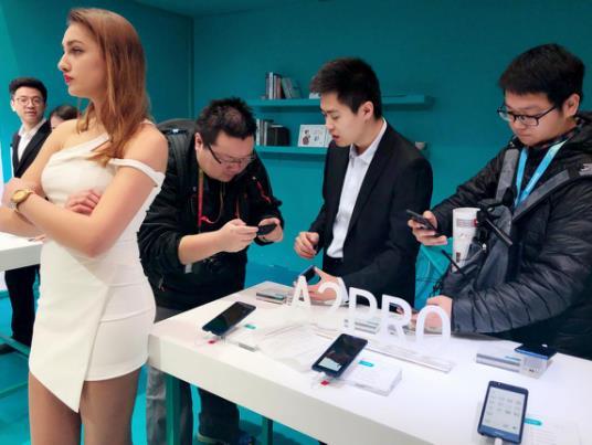 AWE 2018盛大开幕:海信手机重磅出击 惊艳全场