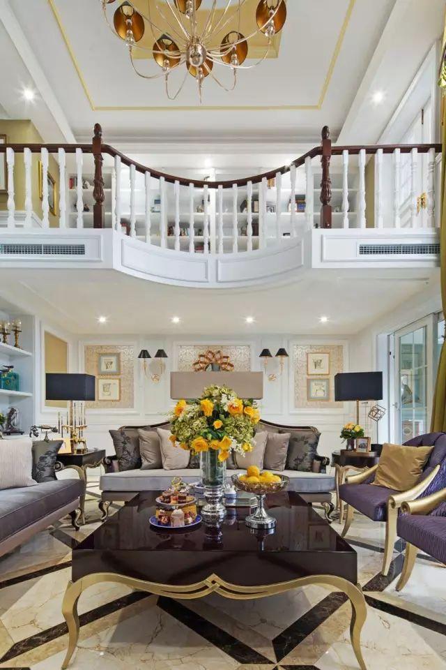 这是一套新古典风格的欧式别墅案例,欧式新古典客厅设计从简单到