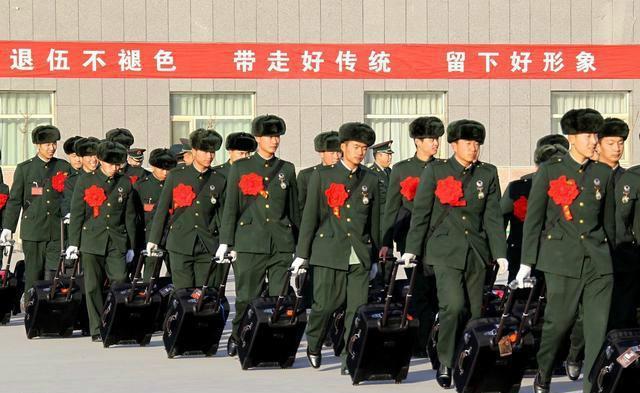 机构改革组建退役军人事务部 将让军人成为全