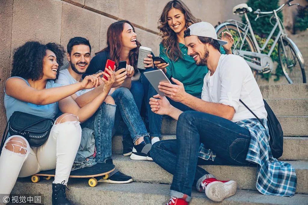 子弹短信、Soul、Spot...社交新贵们的困境与突围