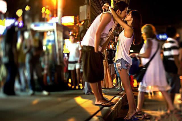 男女在一起不良囹�a_老生常谈,男女情侣在一起谁更吃亏?
