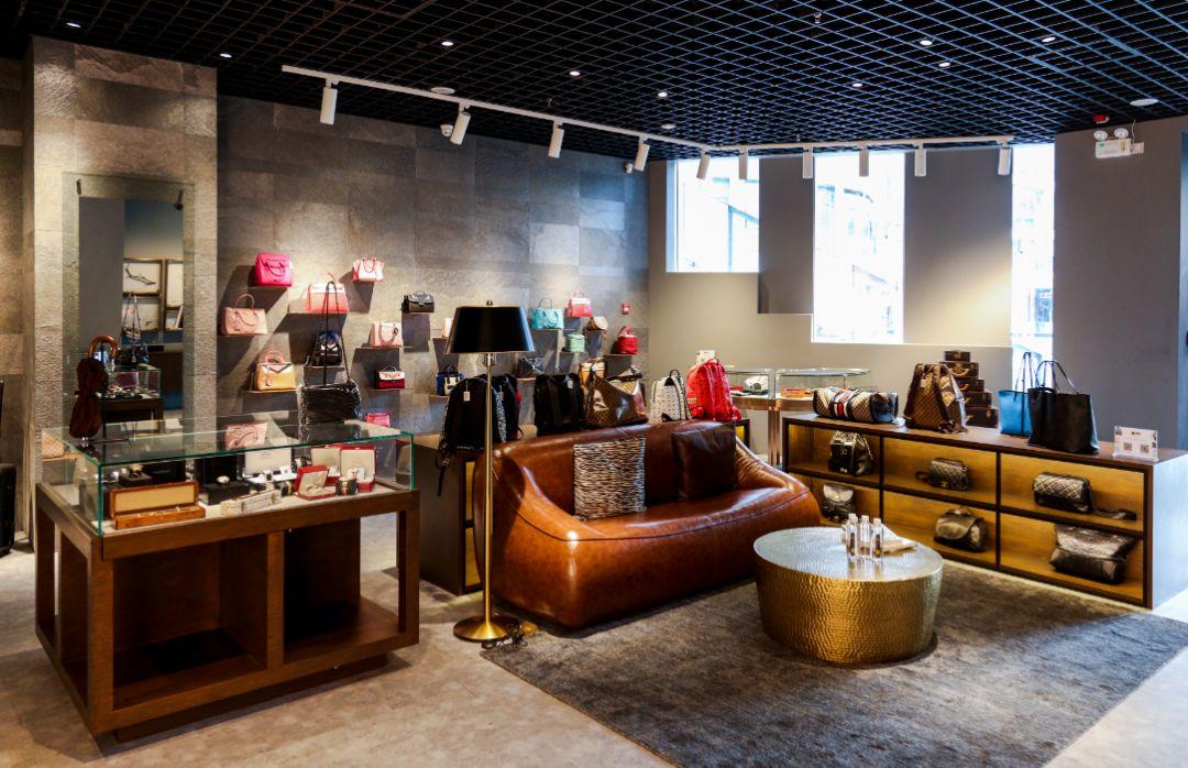 京东的机遇来了:喜欢网购奢侈品的年轻人越来越多