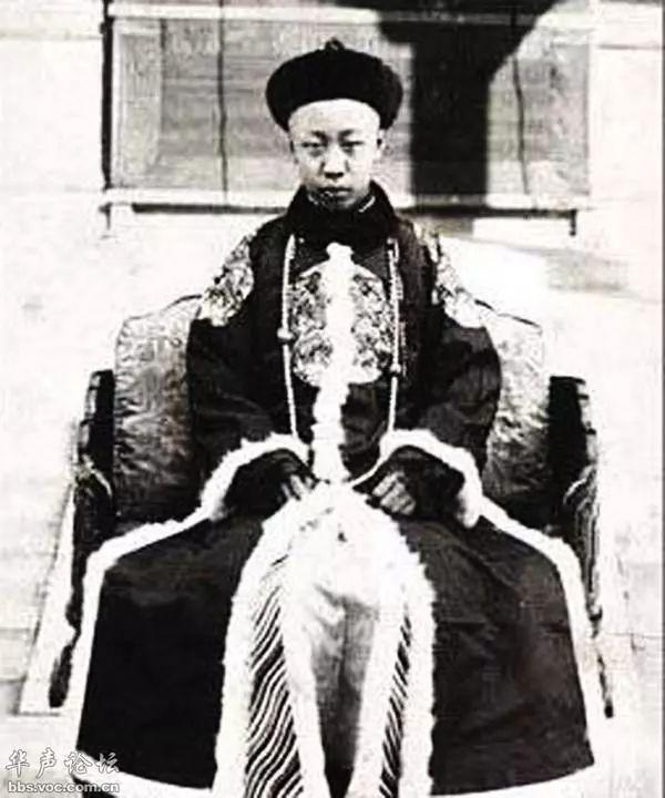 抗美援朝爆发,溥仪从抚顺迁往哈尔滨,他受到了
