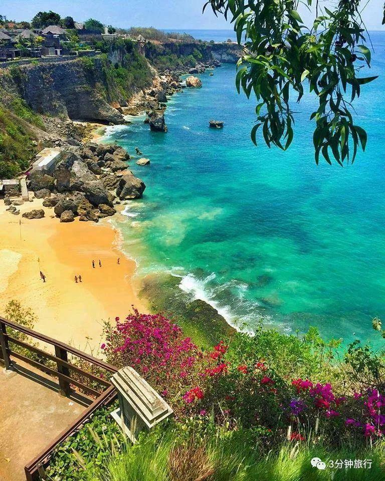 巴厘岛的 海边别墅是情人们共享浪漫的天
