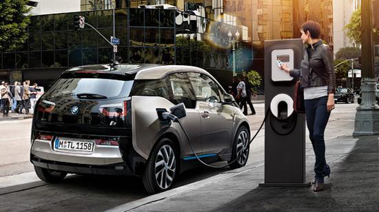 电池技术突破临界点:2025年电动车性价比超燃油车?