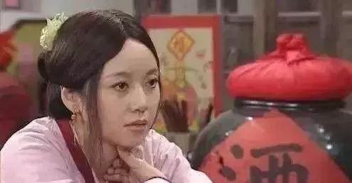 闫妮减肥成功带女儿出道,看起来像姐妹。改变