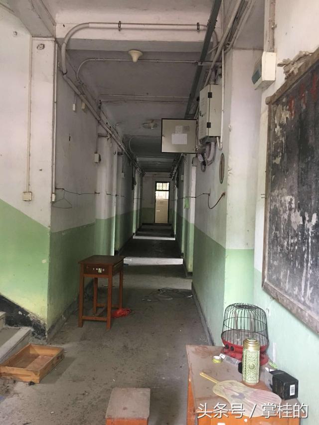 废弃:广西大学女生公寓楼被实拍,200多元一年折返跑乘410女生图片